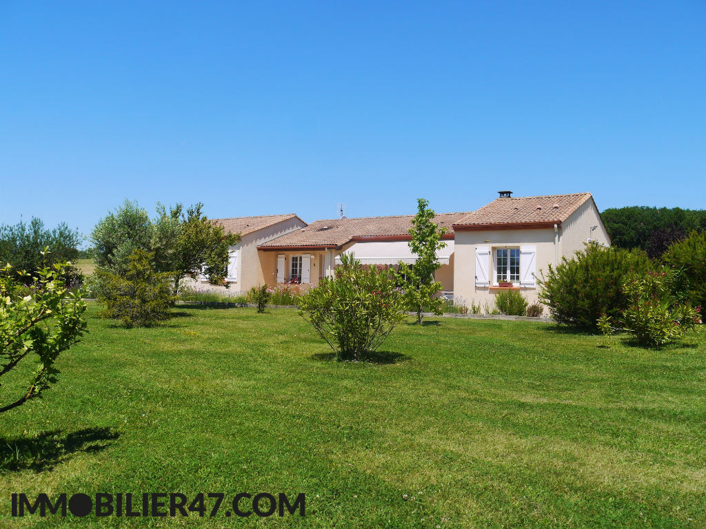 VILLA CONTEMPORAINE DE PLAIN PIED 16/18