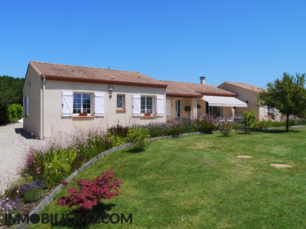 VILLA CONTEMPORAINE DE PLAIN PIED 17/18